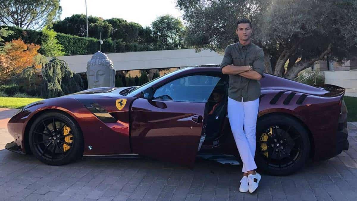 Deretan Koleksi Mobil Mewah Cristiano Ronaldo Validnews Id